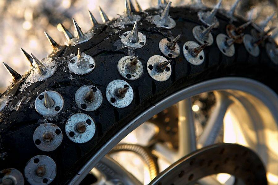 Зимняя шина для спидвея