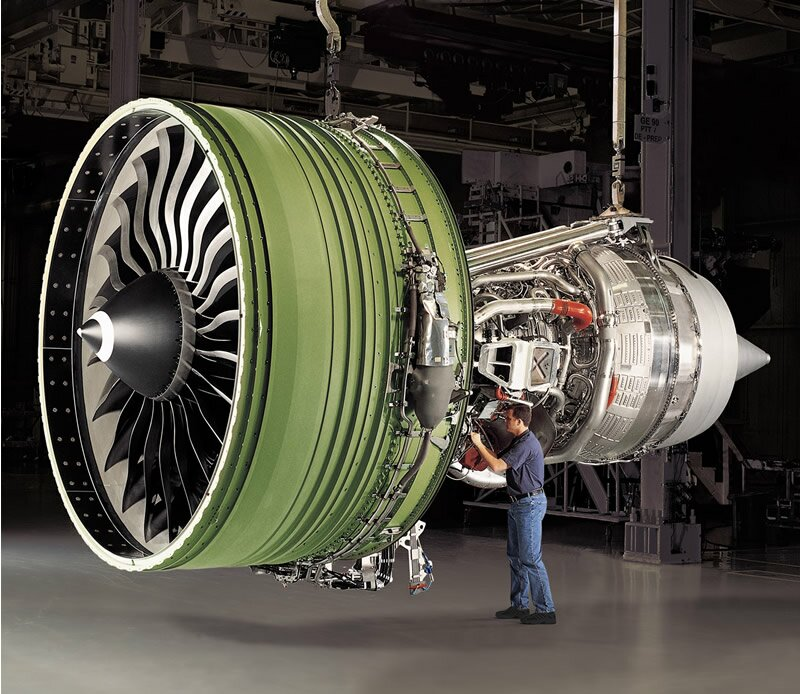 GE90-115B Самый мощный турбовентиляторный двигатель